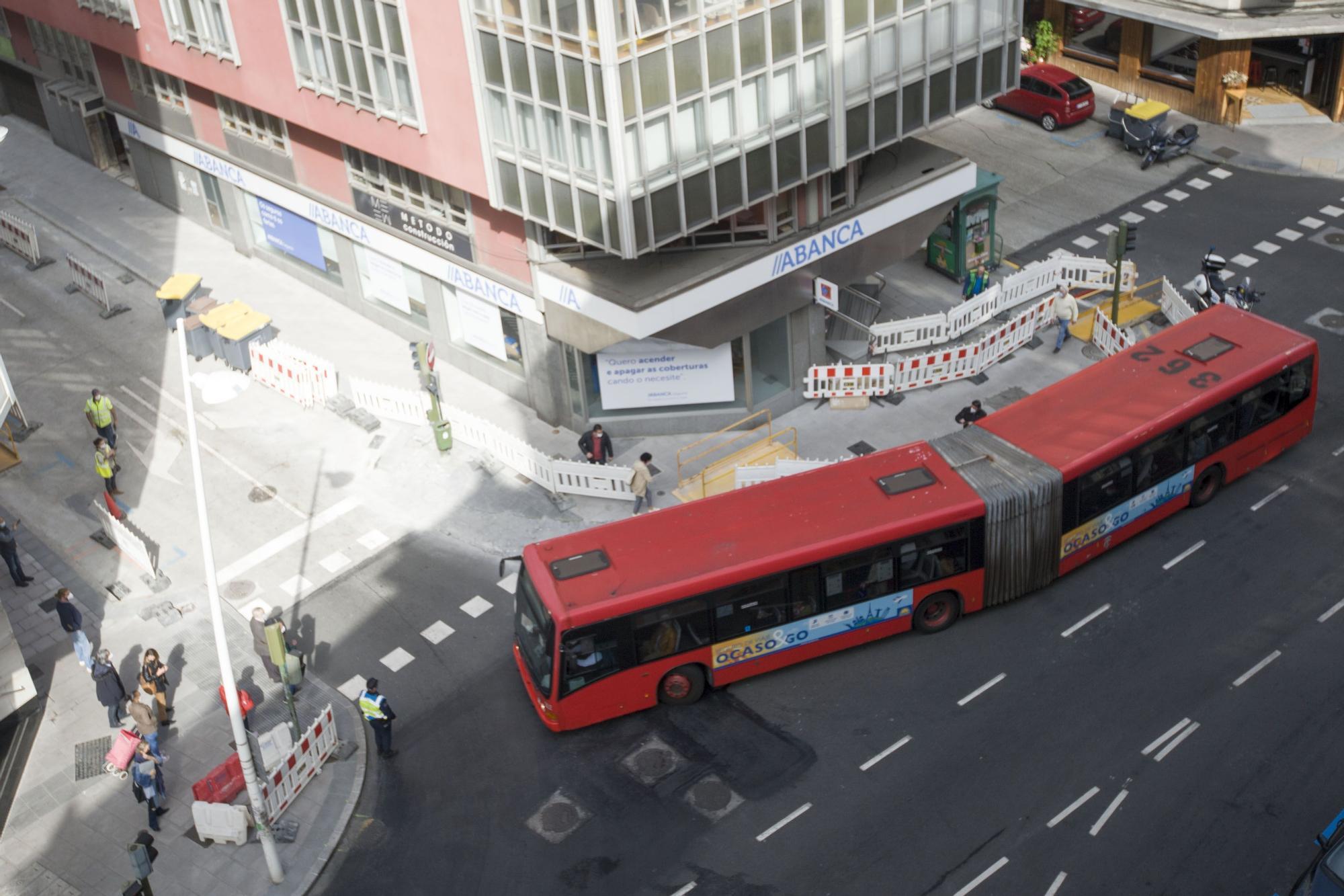 Corrección en Juan Flórez para facilitar el giro del bus