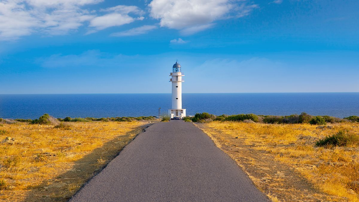 El faro de la Mola y el de es Cap de Barbaria son dos visitas imprescindibles si se pisa Formentera.