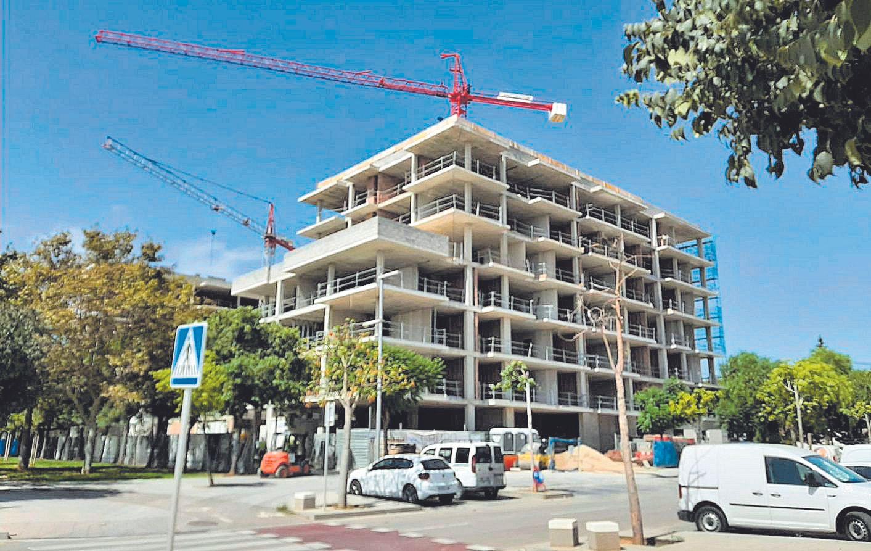 Áticos en construcción en Nou Llevant superan los tres millones de euros