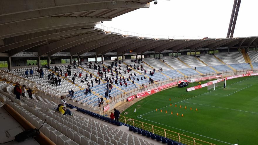Más de mil aficionados alentarán al Zamora en Almendralejo