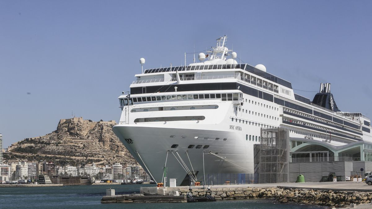 Alicante sigue apostado por ser puerto-base de cruceros