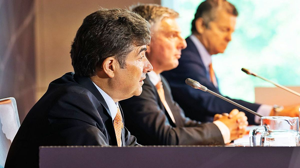 El consejero delegado de Euskaltel, José Miguel García, ayer en la junta de accionistas. |   // ÍÑIGO SIERRA