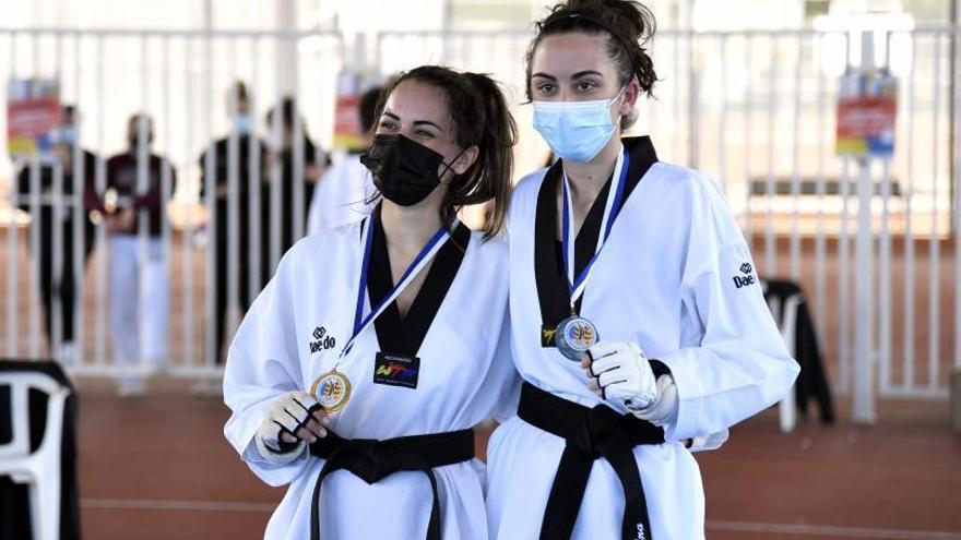 Taekwondistas de Paiporta ganan 7 medallas en 'casa'