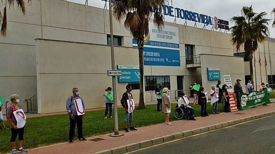 El Consell evitará la vía Alzira y buscará otra solución para el personal de Torrevieja