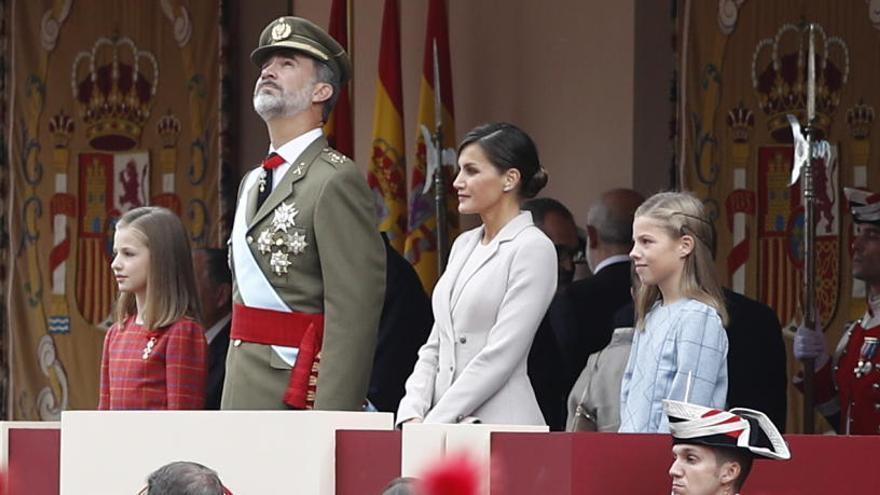 Xiulets a Pedro Sánchez en la desfilada militar del 12-O