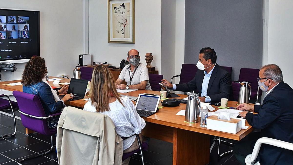 Reunión del Consejo Social de la Universidad de Las Palmas de Gran Canaria.     LP/DLP
