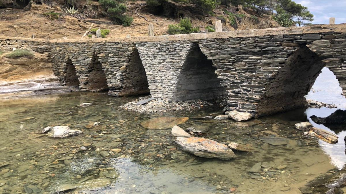El pont d'Es Sortell de Cadaqués reparat