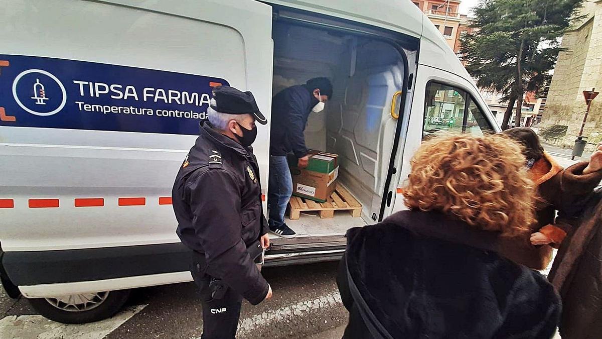 Transporte de vacunas COVID_para las dosis iniciales de presentación en Castilla y León. | Ical