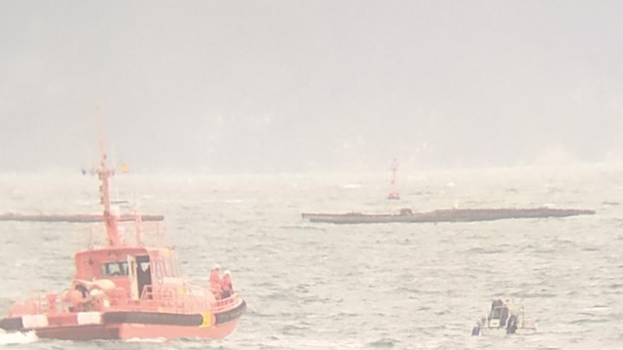 Salvamento remolca un barco de recreo que se quedó sin motor en Cangas