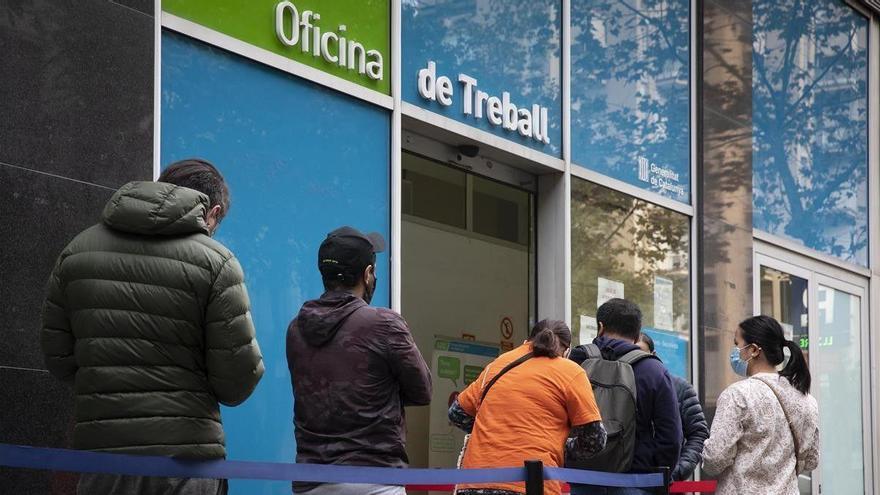 España supera los 4 millones de parados ante los estragos de la tercera ola