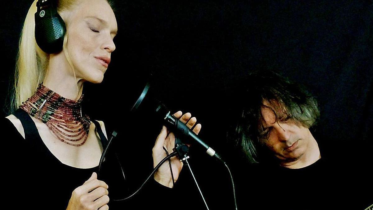 Lisa Euler Wuyts i Carles Bech formen Atzur