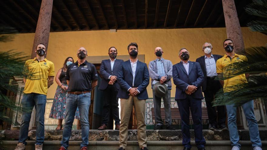 Presentación del CB Canarias en el Ayuntamiento de La Laguna