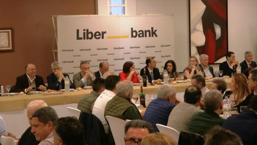 Liberbank reúne a más de 300 profesionales en su almuerzo sectorial