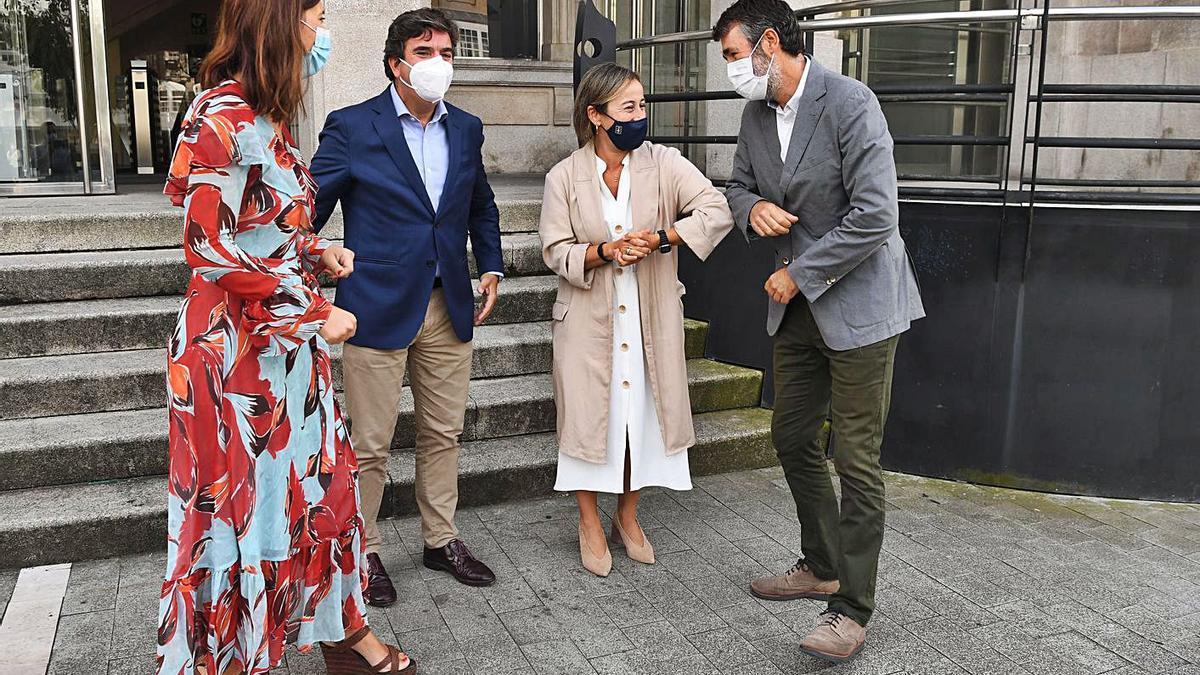 Pilar Parra (Puertos de Estado), Martín Fernández Prado, Ethel Vázquez y Juan Díaz Villoslada. |   // C. PARDELLAS