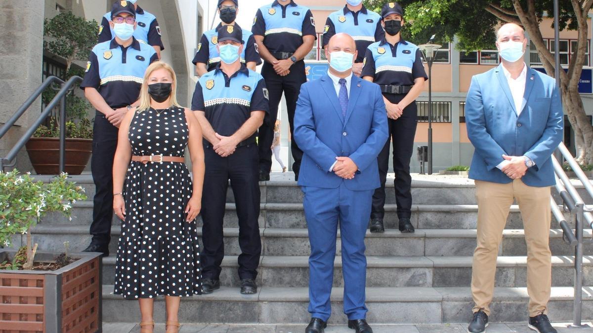 Toma de posesión de seis de los siete nuevos agentes de la Policía Local de Granadilla de Abona