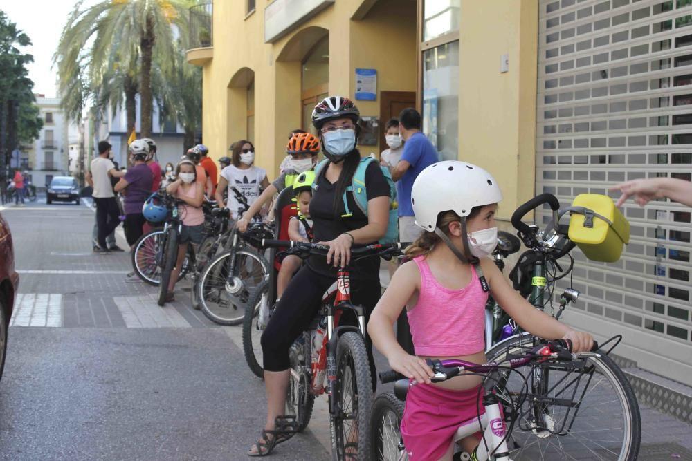 Cadena ciclista organizada en Ontinyent en el Día Mundial de la Bici