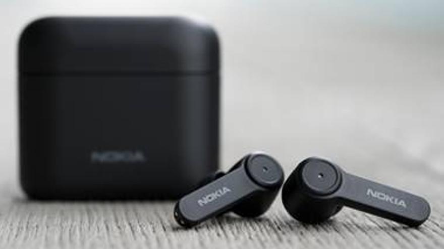 Nokia lanza sus auriculares inalámbricos para competir con Apple: la batería dura 25 horas y cuestan menos de 100 euros