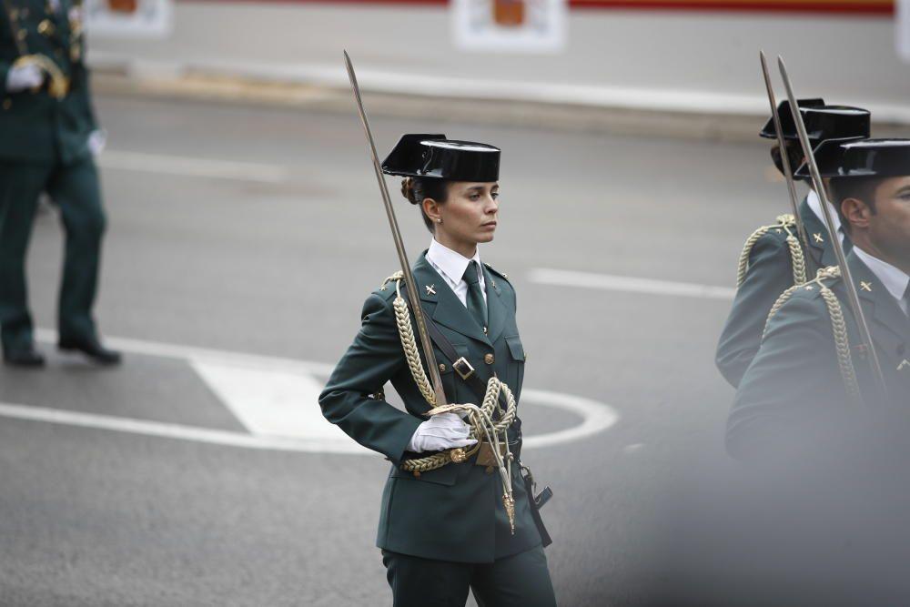 Imagen de una Guardia Civil en el desfile del 12 ...
