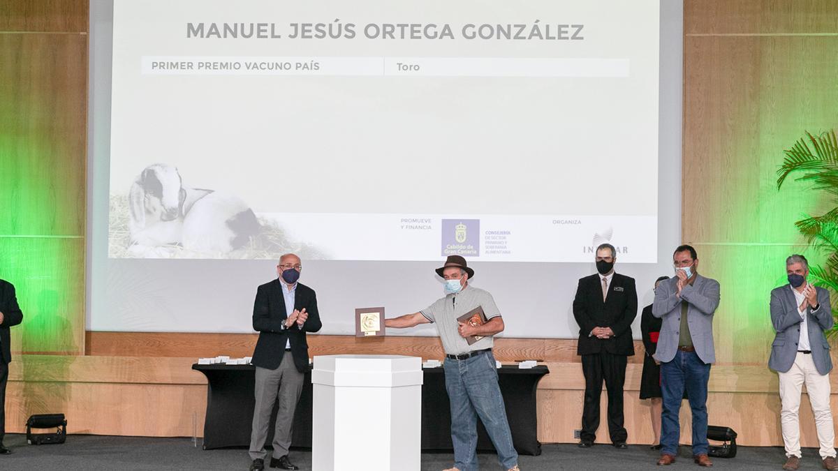 22 ganaderos y 2 ganaderas se reparten los trofeos del XXVIII Concurso de Ganado Selecto