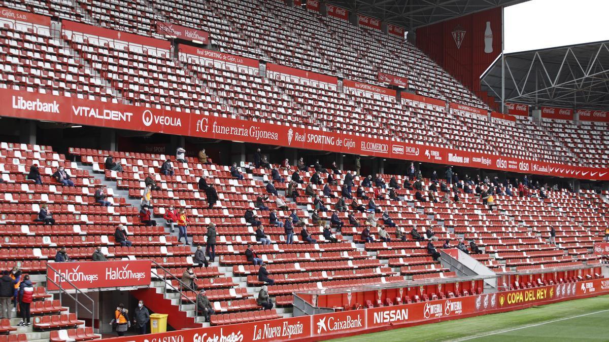 Público asistente al Sporting-Betis de Copa del Rey