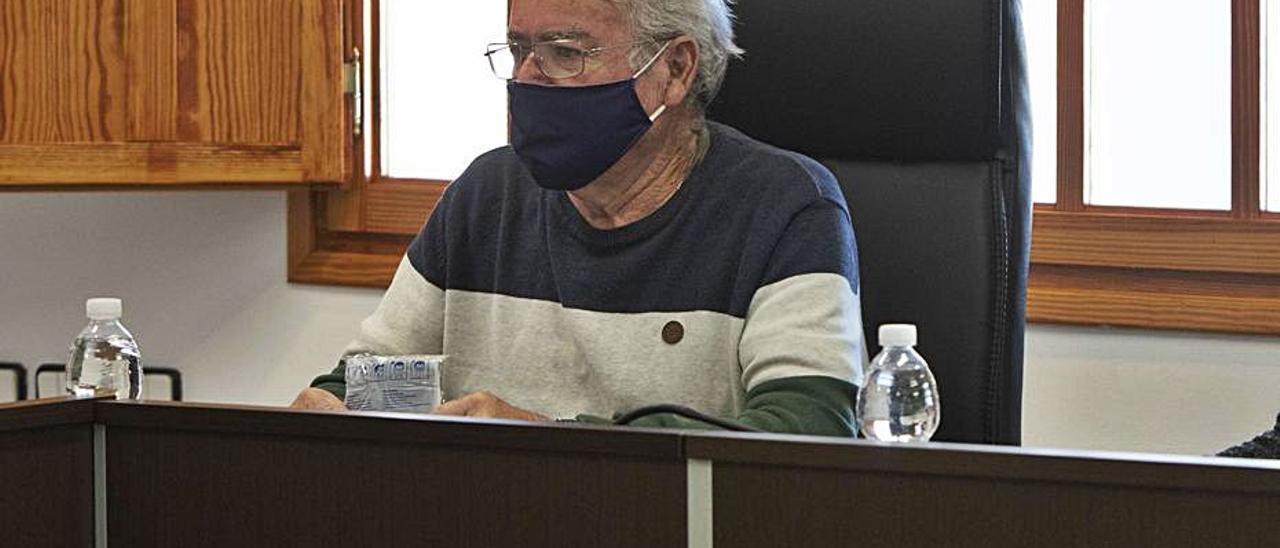 Vicente Cabo, al tomar posesión como edil. | TORTAJADA