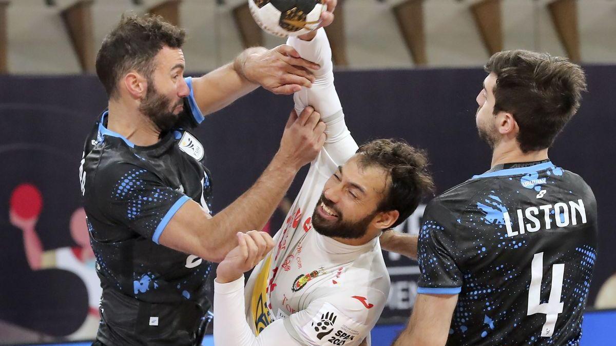 España aplasta a Uruguay 23-38 y huele los cuartos