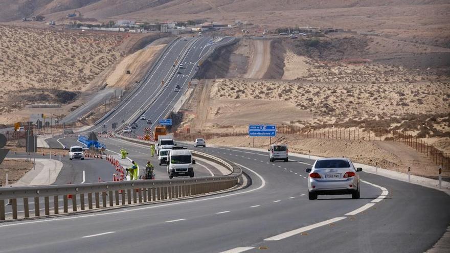 Abre al tráfico el tramo de autovía entre Costa Calma y Pecenescal