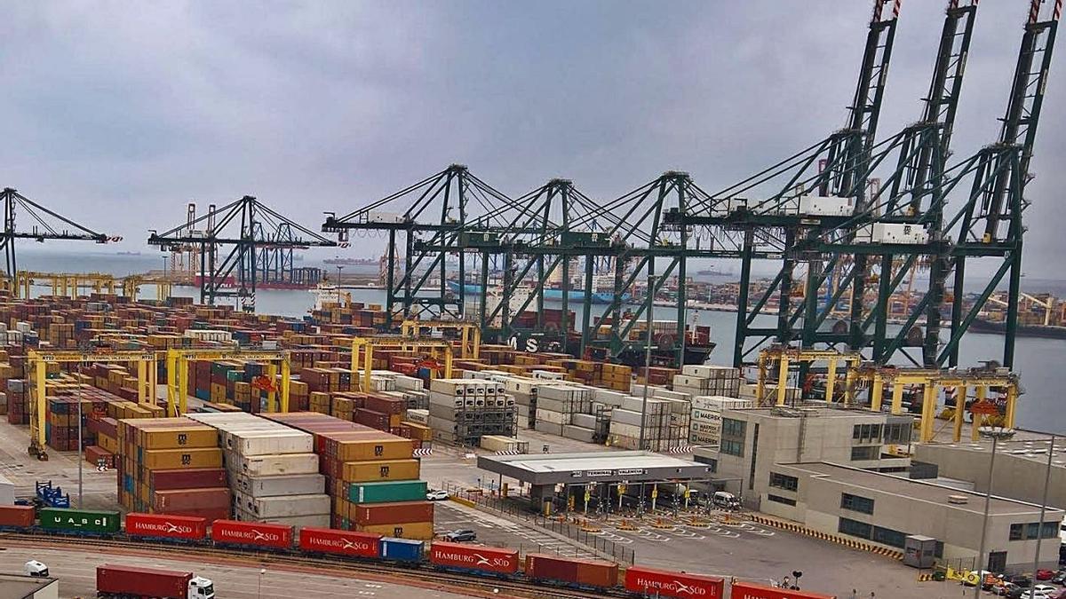La ampliación norte del Puerto de València generaría una nueva terminal de contenedores. | E. PRESS