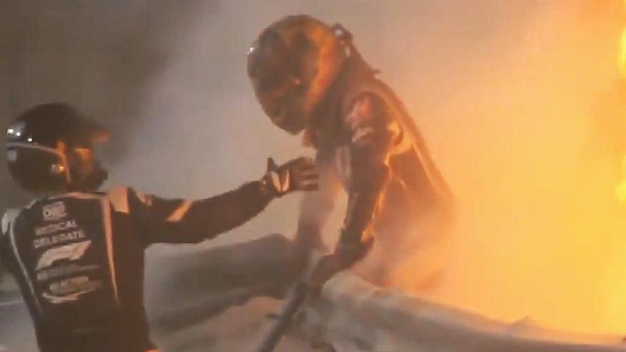 Grosjean se salva tras un gravísimo accidente en Baréin