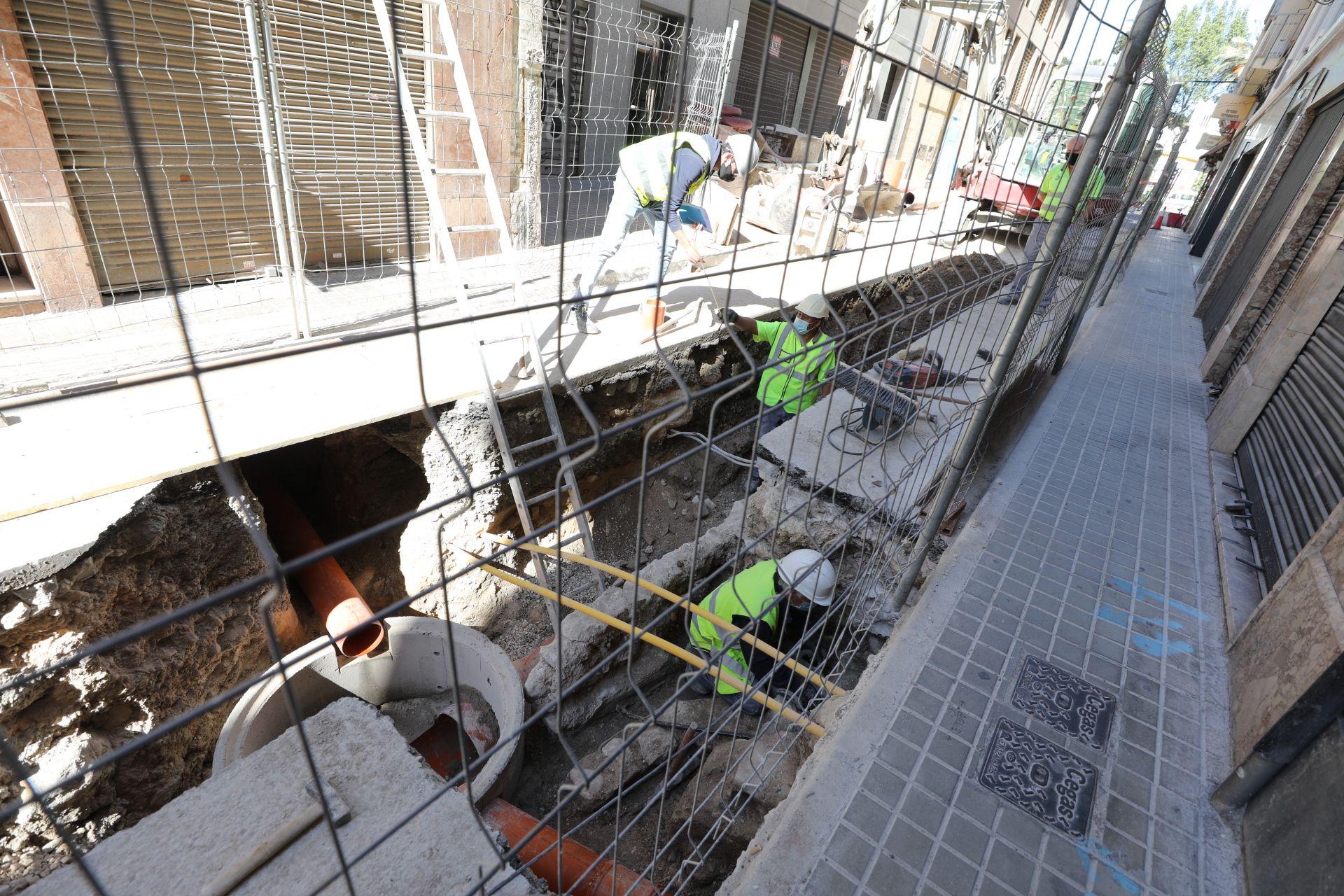 Las obras en las calles Nuestra Señora de la Cabeza, Fatxo o Uberna forman parte del Plan Centro para peatonalizar el casco histórico y dotarlo de nuevos accesos.