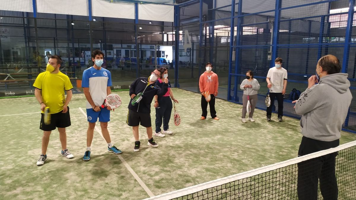 Usuarios de Down Mérida en una actividad deportiva.