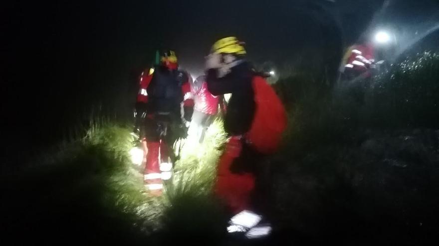 Complicado rescate de un bombero herido grave tras una caída de 30 metros en Sóller