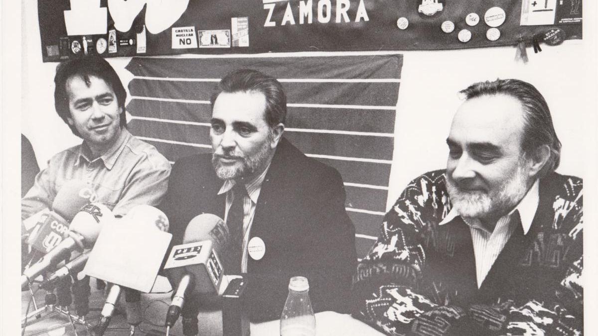 Francisco Guarido, Julio Anguita y Gabriel Guijosa en 1994.