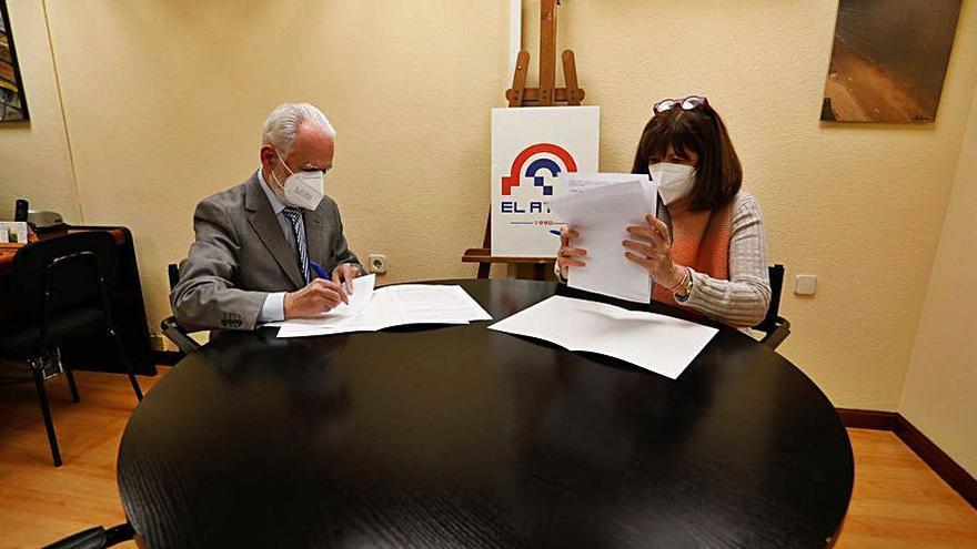 La AECC y El Atrio sellan un acuerdo de colaboración