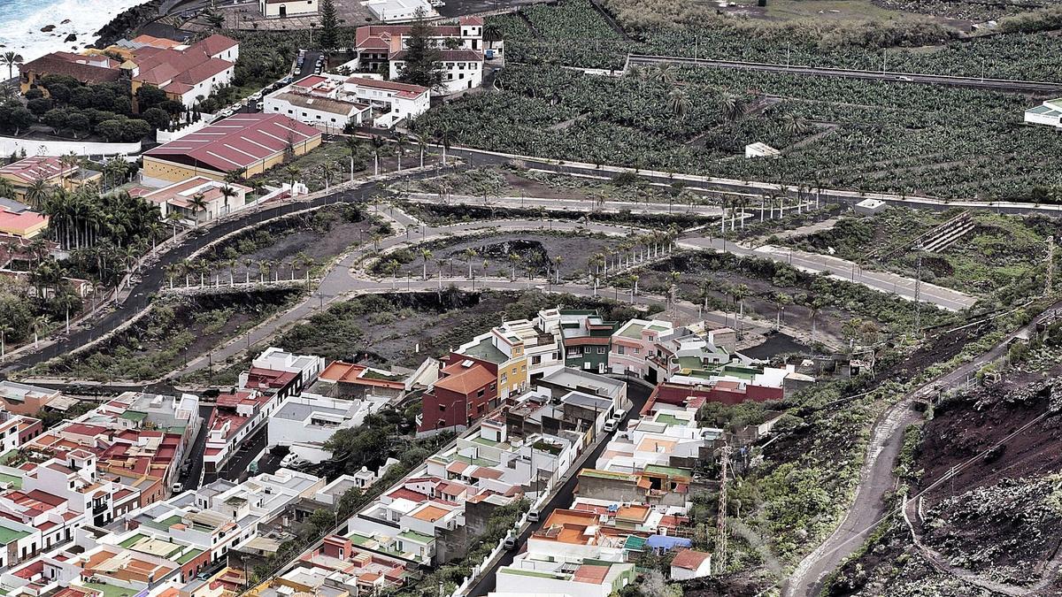 Las calles de la Urbanización El Lamero ya están trazadas y cuentan con aceras, luminarias y zonas ajardinadas.