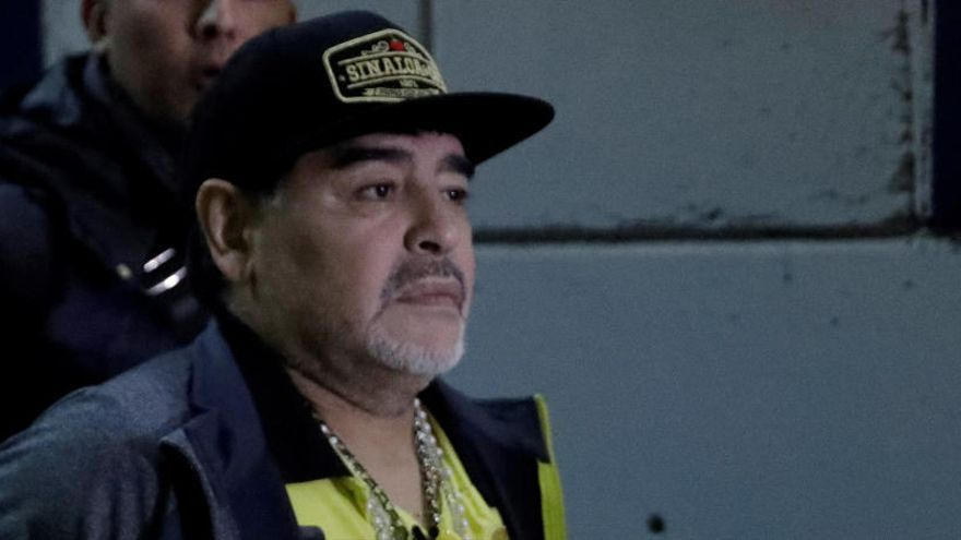 Operan a Maradona por un sangrado estomacal