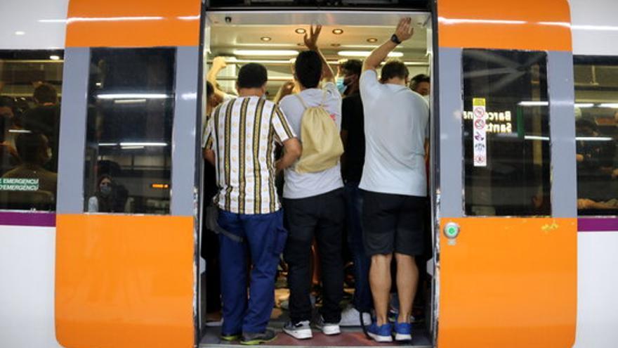 El servei a Rodalies cau per sota del 40% i ja hi ha més de 200 trens cancel·lats