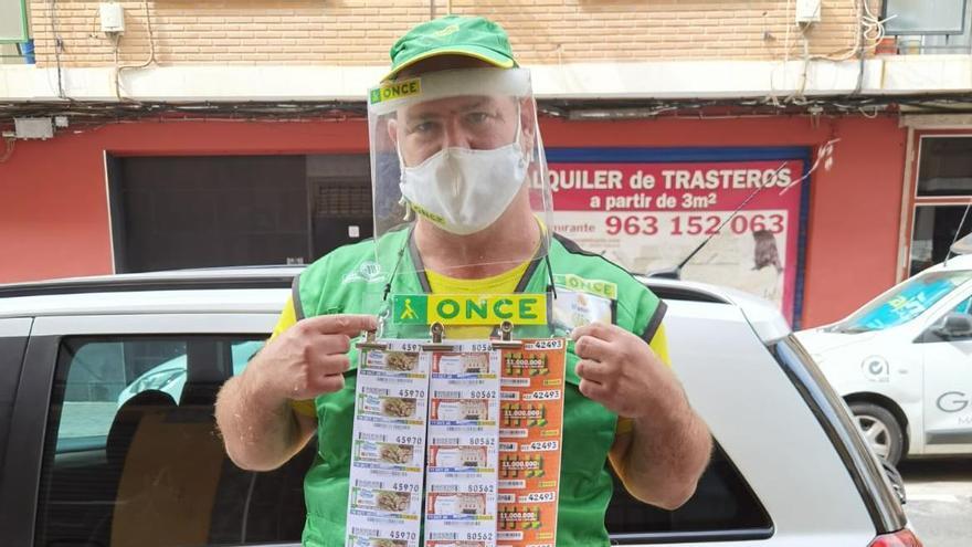 Manuel Meseguer, vendedor de la ONCE que ha repartido casi 10 millones.