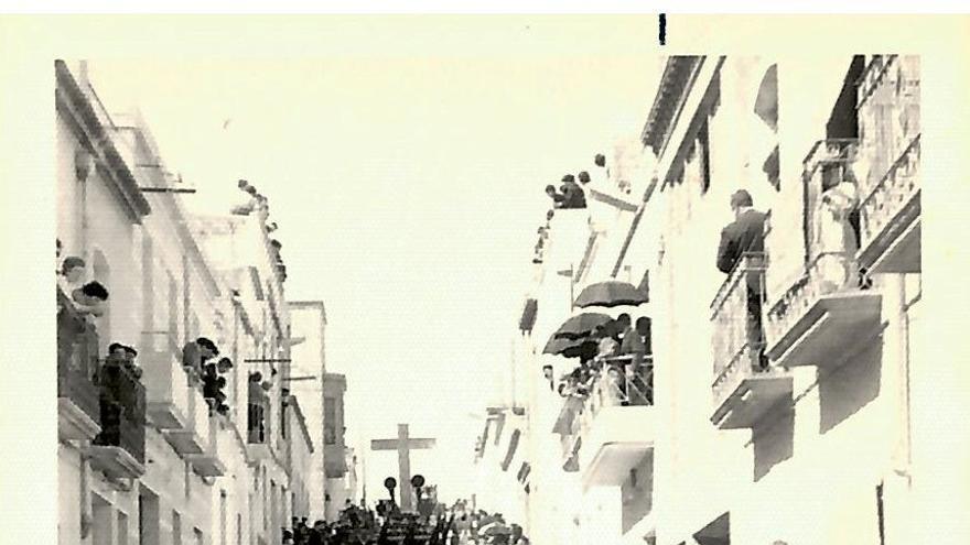 Martes Santo en Crevillent, año 1950, llegan los ausentes