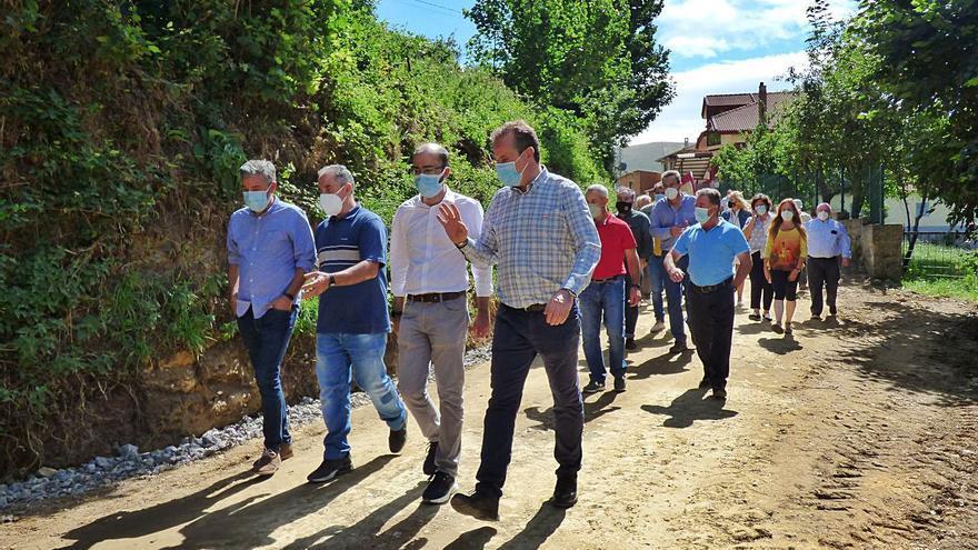 La esperada mejora de la carretera de Mieldes y Dagüeño estará lista a finales de septiembre