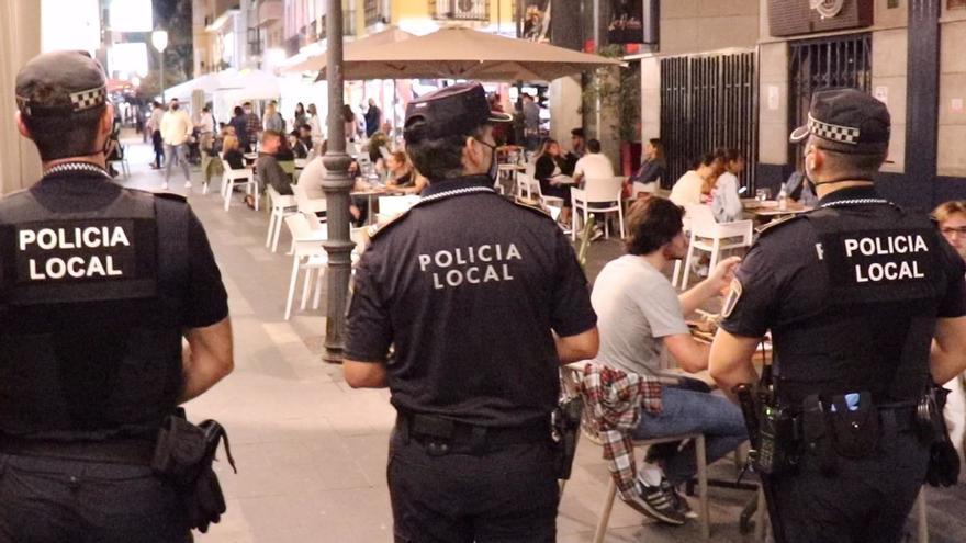 La Policía auxilia a una menor inconsciente y a una mujer enferma de Alzheimer por una caída en Alicante