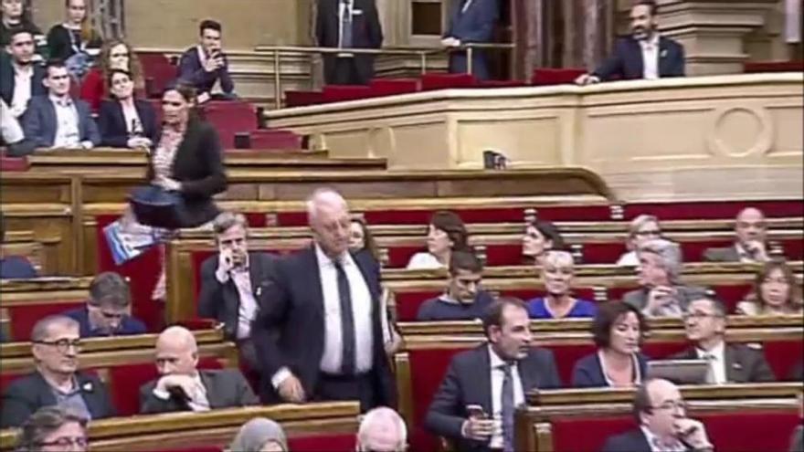 Roger Torrent expulsa del ple el diputat del PPC Santi Rodríguez