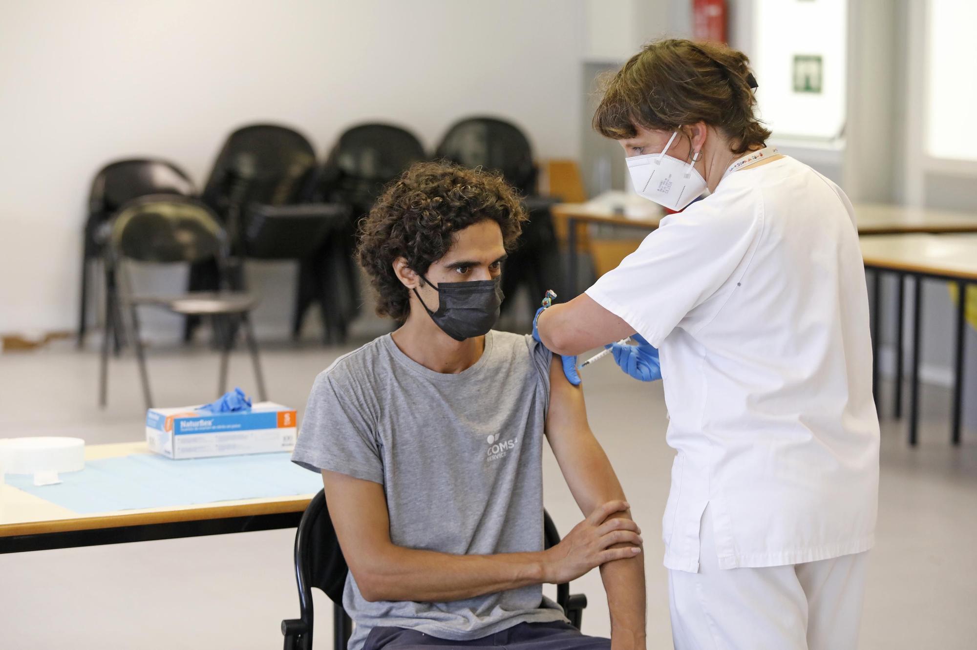 A la recerca dels «no vacunats»