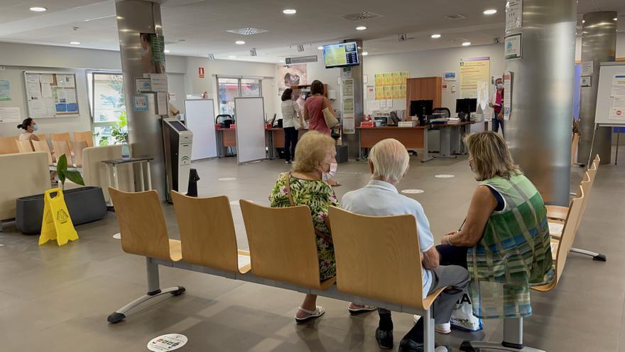 Los centros de atención primaria andaluces retoman la normalidad y aumentan la oferta de consultas presenciales