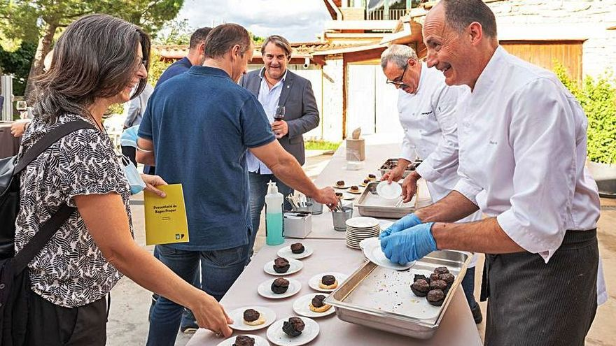 Restauradors i productors del Bages comparteixen una jornada a Sallent