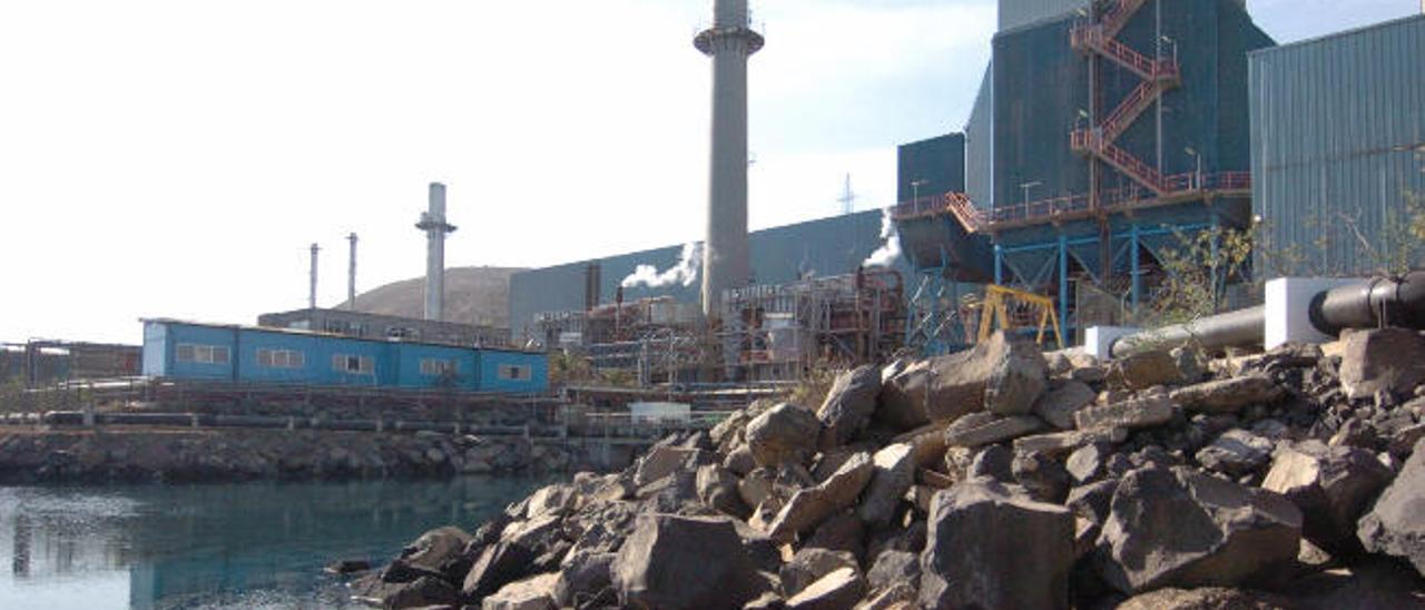 Emalsa denuncia un sabotaje a sus vehículos y cortes de agua provocados