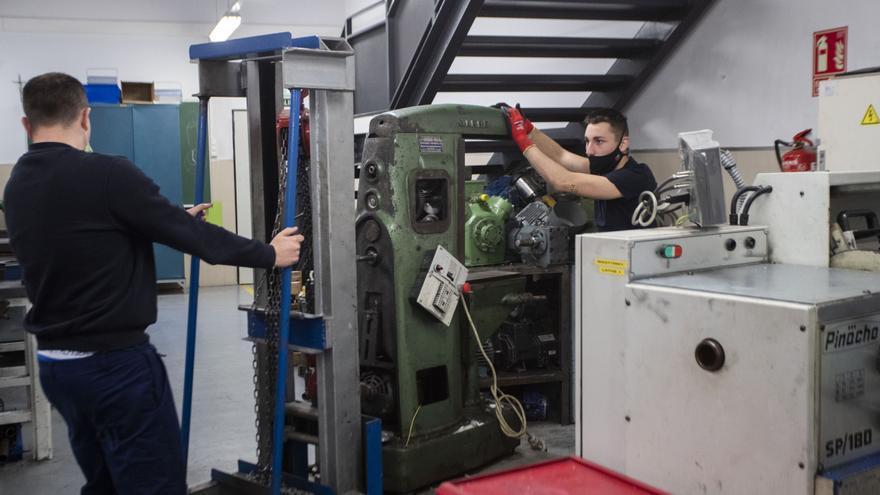 Universitarios vuelven al instituto a hacer una FP para mejorar sus oportunidades laborales