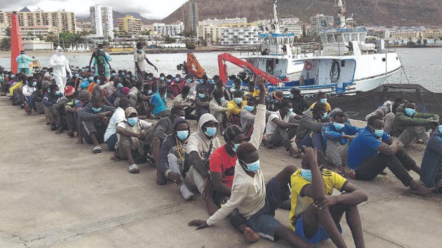 Madrid cuadruplica el traslado de los migrantes de Canarias a la Península