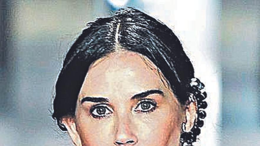 Demi Moore, irreconocible en la pasarela de París tras su último retoque