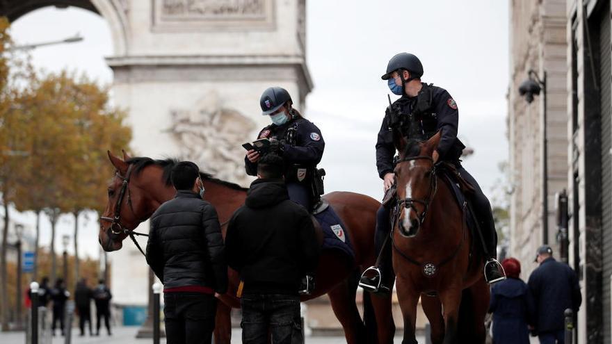 Francia supera las 55.000 muertes por coronavirus